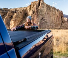 Roll-N-Lock LG880M Roll-N-Lock® M-Series Truck Bed Cover