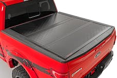 Rough Country 47120580 GM Low Profile Hard Tri-Fold Tonneau Cover (19-20 1500 | 5.8' Bed)